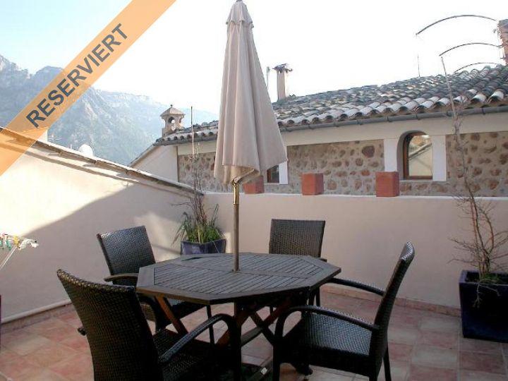 Schöner Wohnung stadthaus mit eingeführtem restaurant und schöner wohnung in