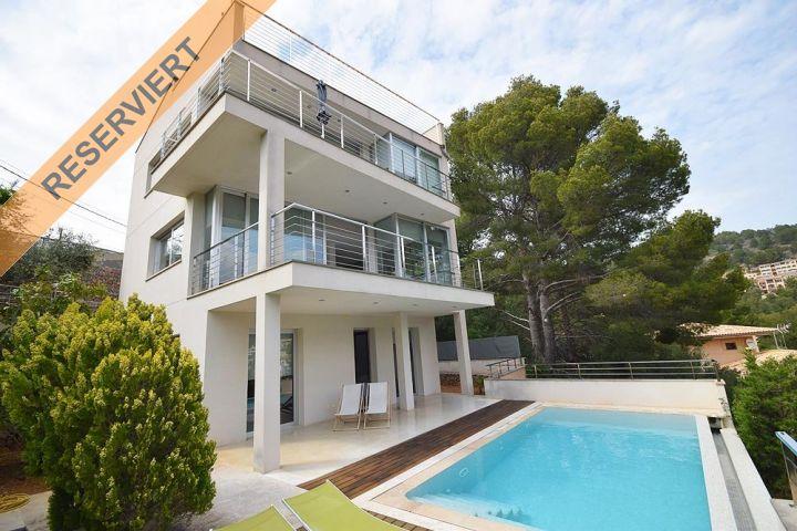 Schöne moderne Villa mit toller Aussicht und Pool in Port de Sóller ...